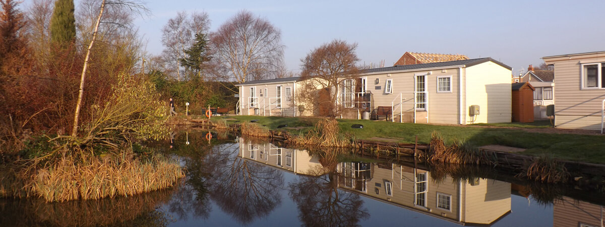 Coarse fishing ponds with a range of great accommodation choices